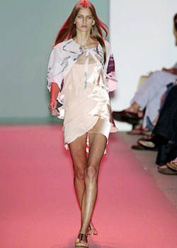Vivienne Tam Spring 2004 Ready-to-Wear Collections 0001