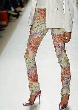 Matthew Williamson Spring 2004 Ready&#45&#x3B;to&#45&#x3B;Wear Detail 0001