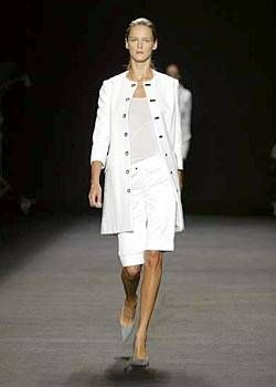 Roland Mouret Spring 2004 Ready-to-Wear Collections 0001