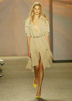 DKNY Spring 2004 Ready&#45&#x3B;to&#45&#x3B;Wear Collections 0001