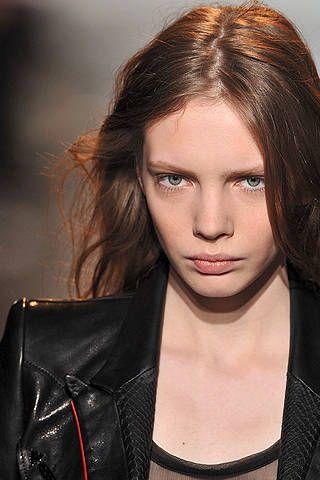 Lip, Hairstyle, Forehead, Eyebrow, Jacket, Collar, Jaw, Fashion, Leather jacket, Leather,
