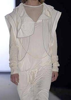 Jens Laugesen Spring 2004 Ready-to-Wear Detail 0001