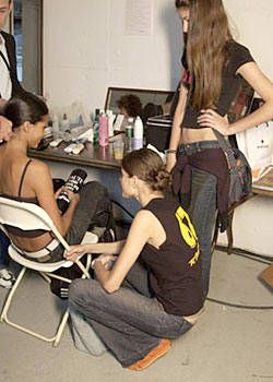 Esteban Cortazar Spring 2004 Ready-to-Wear Backstage 0003