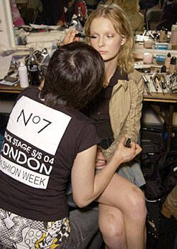 Ghost Spring 2004 Ready-to-Wear Backstage 0003