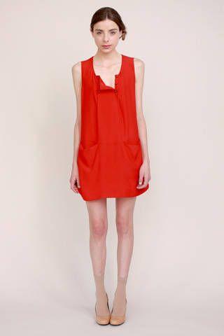 Sleeve, Shoulder, Human leg, Standing, Joint, White, One-piece garment, Dress, Collar, Style,