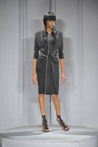 Clothing, Sleeve, Human body, Shoulder, Joint, Human leg, Style, Dress, Fashion model, Knee,
