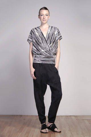 Sleeve, Human body, Shoulder, Collar, Standing, Textile, Photograph, Joint, Human leg, White,
