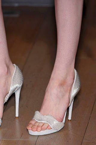 Footwear, Skin, Human leg, Joint, Red, Toe, Pink, Sandal, Foot, Organ,