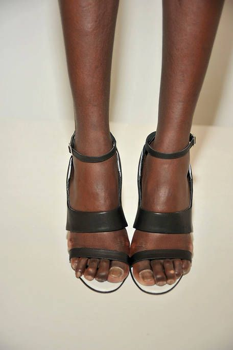 Brown, Human leg, Joint, Tan, Toe, Fashion, Foot, Muscle, Leather, Liver,