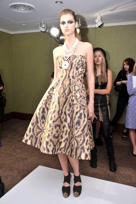 Clothing, Footwear, Leg, Dress, Shoulder, Joint, Style, Pattern, One-piece garment, Formal wear,