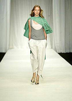 Gibo Spring 2004 Ready-to-Wear Collections 0001