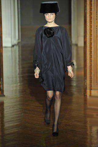 Hat, Floor, Dress, Flooring, Headgear, Fashion, Black, Costume accessory, Fashion model, Hardwood,
