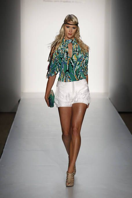 Clothing, Sleeve, Fashion show, Human leg, Shoulder, Textile, Joint, White, Runway, Style,