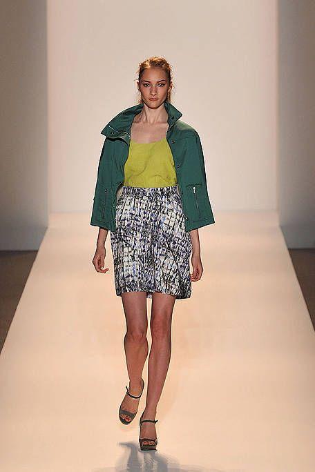 Clothing, Sleeve, Shoulder, Human leg, Fashion show, Joint, Style, Fashion model, Waist, Knee,