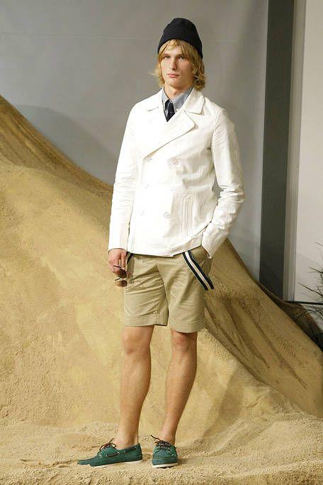 Collar, Sleeve, Shoe, Khaki, Dress shirt, Cap, Sand, Beige, Dune, Tan,