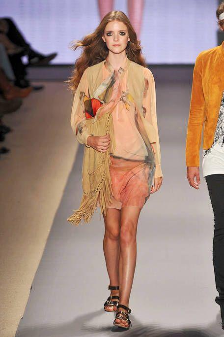 Clothing, Footwear, Leg, Human leg, Shoulder, Fashion show, Joint, Outerwear, Style, Fashion model,