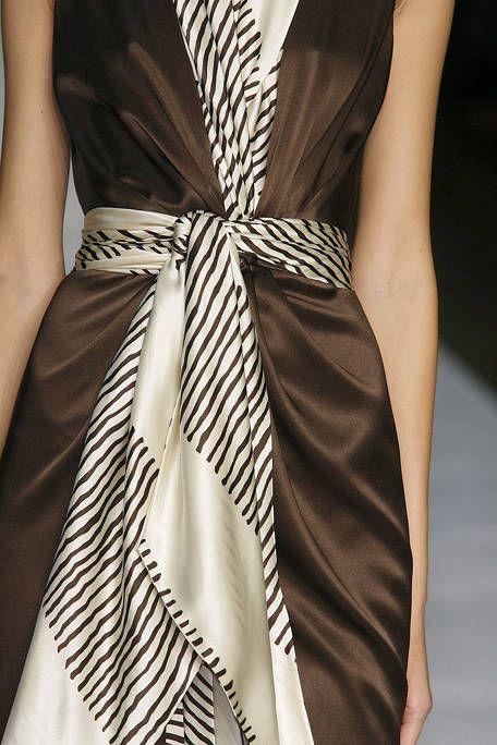 Style, Ribbon, Satin, Fashion, Black, Knot, Day dress, Fashion design, Silk, Fashion model,