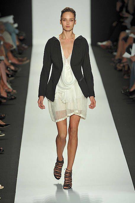 Clothing, Human, Leg, Fashion show, Event, Shoulder, Runway, Human leg, Joint, Fashion model,