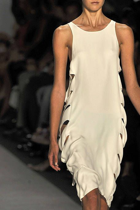 Fashion show, Shoulder, Joint, Fashion model, Runway, Style, Fashion, Neck, Model, Sleeveless shirt,