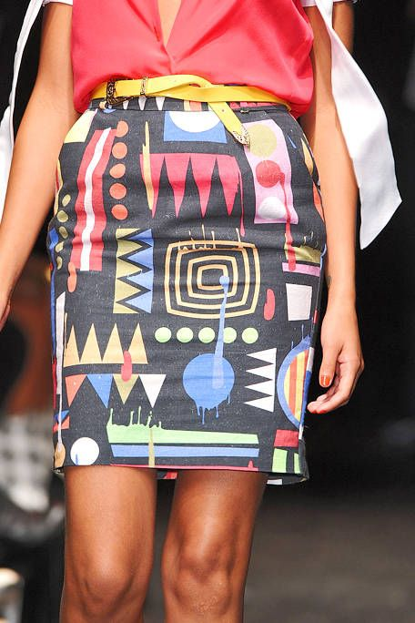 Shoulder, Textile, Joint, Pattern, Style, Bag, Waist, Fashion, Street fashion, Trunk,