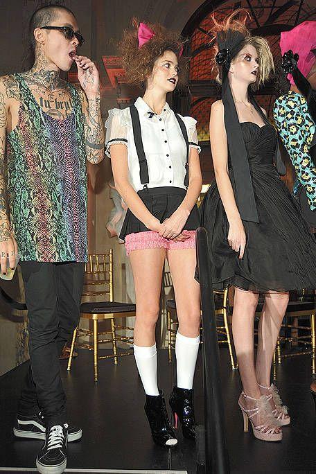 Leg, Style, Dress, Fashion, Sunglasses, Thigh, Fashion model, Fashion design, Makeover, Cocktail dress,
