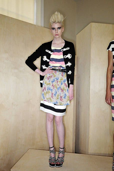 Clothing, Leg, Shoulder, Joint, Human leg, Dress, Pink, Style, One-piece garment, Fashion,