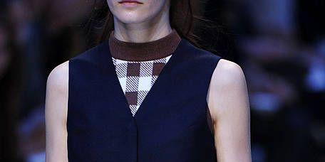 Shoulder, Textile, Joint, White, Pattern, Style, Fashion show, Bag, Tartan, Plaid,