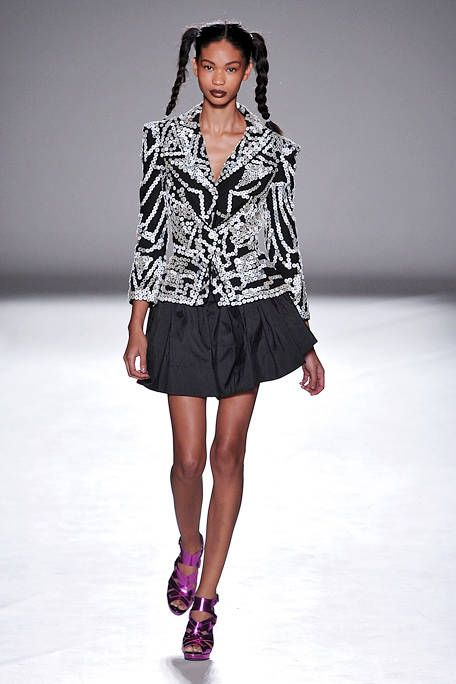 Clothing, Sleeve, Shoulder, Fashion show, Human leg, Joint, Runway, Fashion model, Style, Waist,