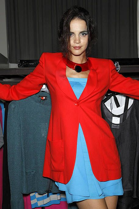 Textile, Outerwear, Formal wear, Style, Dress, Collar, Jewellery, Blazer, One-piece garment, Electric blue,