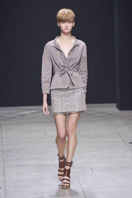 Clothing, Sleeve, Fashion show, Human leg, Shoulder, Joint, Fashion model, Style, Runway, Street fashion,