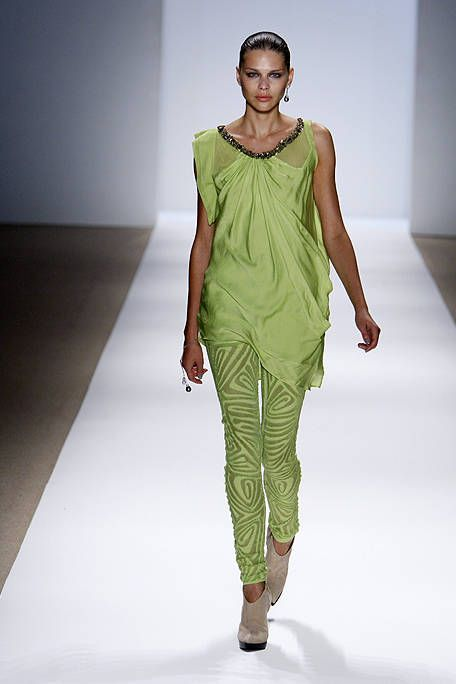 Fashion show, Human body, Shoulder, Joint, Runway, Style, Fashion model, Waist, One-piece garment, Fashion,