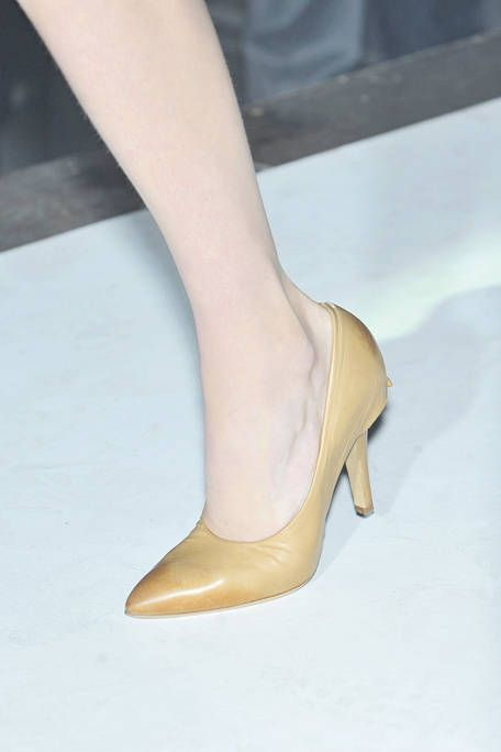 Joint, High heels, Tan, Fashion, Sandal, Foot, Beige, Bridal shoe, Basic pump, Close-up,
