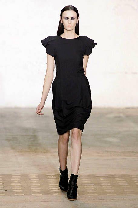 Leg, Dress, Sleeve, Human leg, Shoulder, Joint, Standing, One-piece garment, Style, Formal wear,