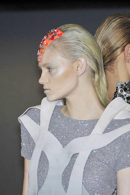 Ear, Lip, Hairstyle, Forehead, Eyebrow, Style, Hair accessory, Headgear, Beauty, Fashion,