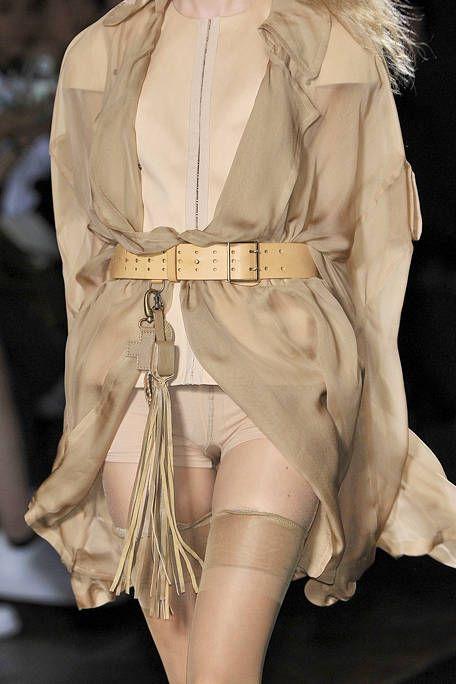 Sleeve, Textile, Costume design, Fashion, Beige, Costume, Fashion design, Fur, Fashion model, Natural material,