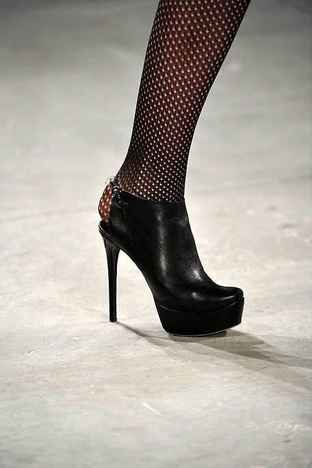 High heels, Shoe, Sandal, Basic pump, Fashion, Leather, Court shoe, Fashion design, Foot, Dancing shoe,