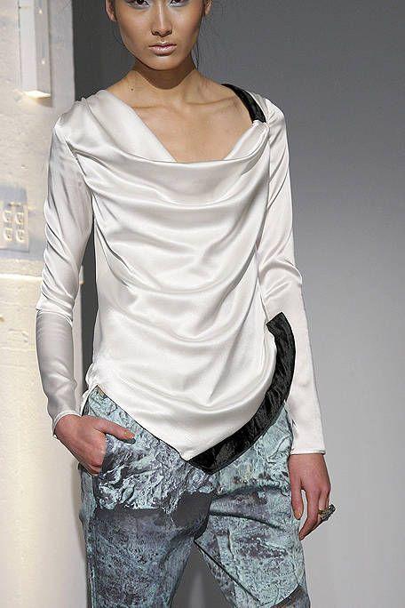 Sleeve, Shoulder, Joint, Elbow, Fashion, Neck, Waist, Chest, Fashion model, Model,