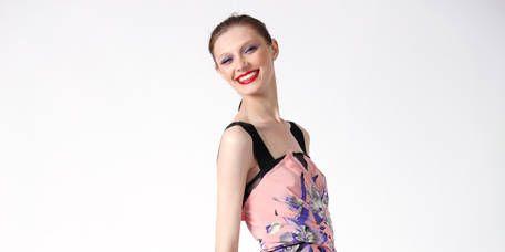Clothing, Footwear, Leg, Sleeve, Human leg, Shoe, Dress, Shoulder, Joint, Standing,