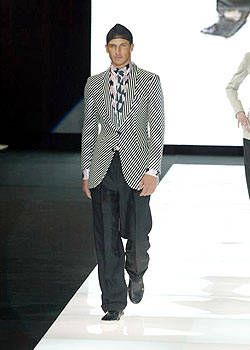 Giorgio Armani Spring 2004 Ready&#45&#x3B;to&#45&#x3B;Wear Collections 0001