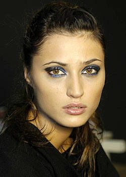 Cerruti Spring 2004 Ready-to-Wear Backstage 0003