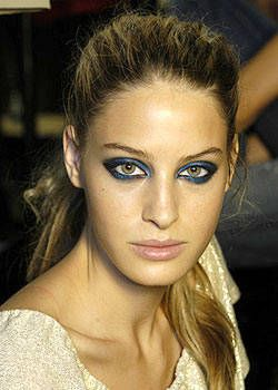 Cerruti Spring 2004 Ready-to-Wear Backstage 0001