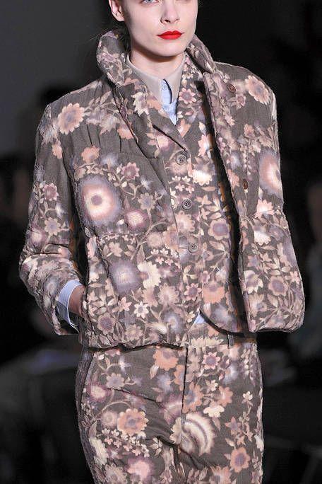 Camouflage, Military camouflage, Sleeve, Human body, Soldier, Pattern, Fashion, Military uniform, Street fashion, Fashion model,