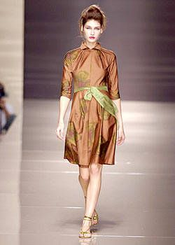 Alberta Ferretti Spring 2004 Ready-to-Wear Collections 0001