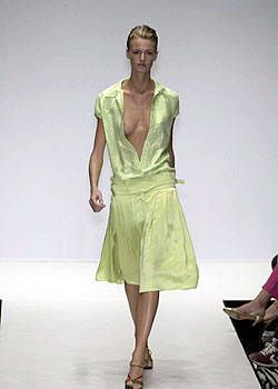 Krizia Spring 2004 Ready-to-Wear Collections 0001