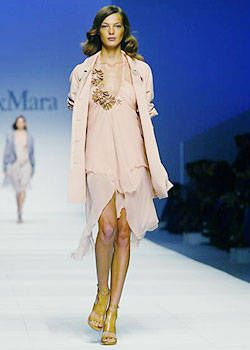 Max Mara Spring 2004 Ready-to-Wear Collections 0001