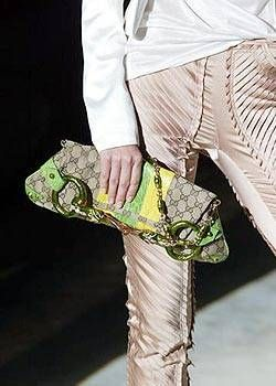 Gucci Spring 2004 Ready-to-Wear Detail 0001