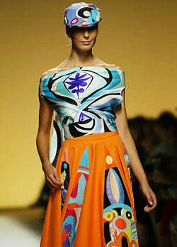 Pucci Spring 2004 Ready-to-Wear Detail 0001