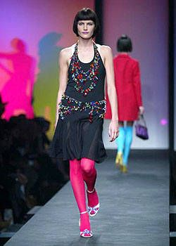 Moschino Spring 2004 Ready-to-Wear Collections 0002