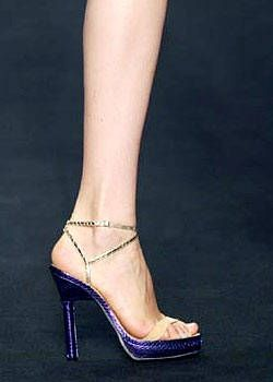 Alessandro Dell'Acqua Spring 2004 Ready-to-Wear Detail 0001