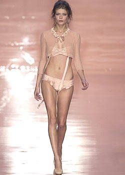 Blumarine Spring 2004 Ready-to-Wear Collections 0001